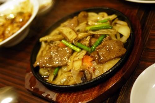 牛肉と季節の野菜の炒め物