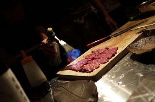 お肉を並べて…