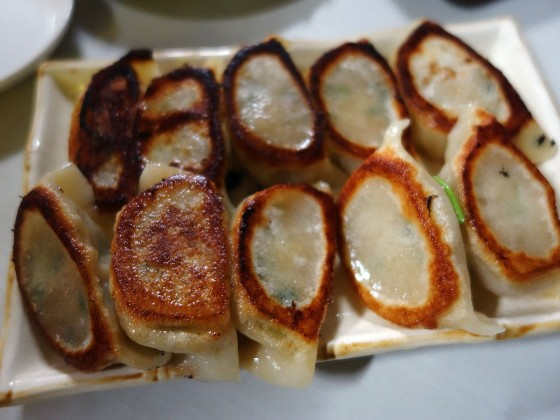 家族特製焼き餃子(550円)