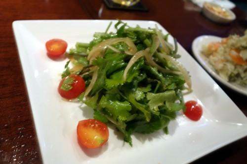 パクチーとトマトのサラダ