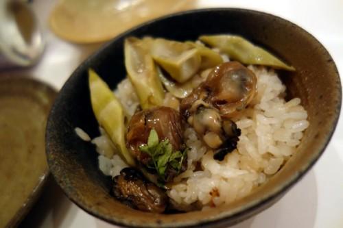 地牡蠣と四方竹の炊き込み土鍋ごはん