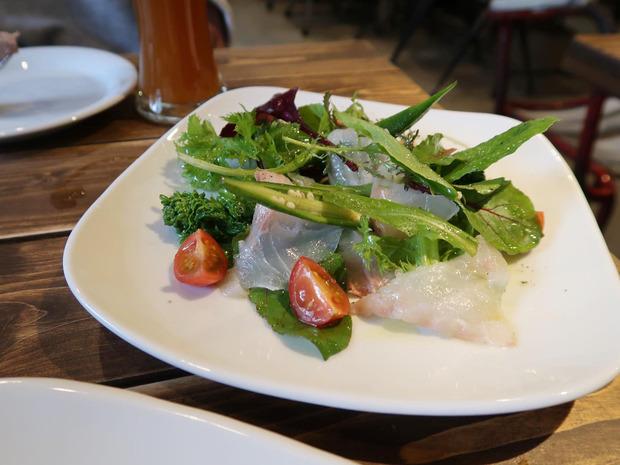 昆布〆真鯛のカルパッチョ(850円)