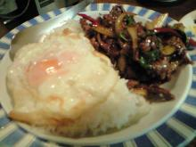牛肉のバジル炒めかけご飯