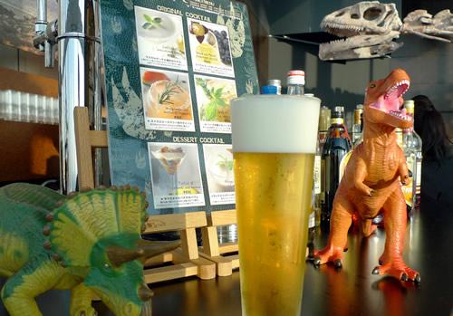 恐竜バーのハイネケン