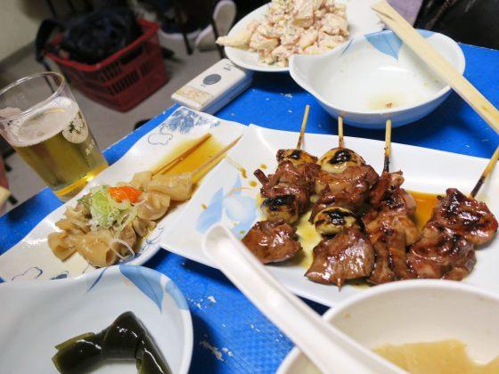 焼き鳥と牛スジポン酢(300円)