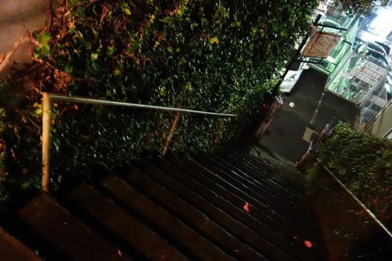 階段をのぼれば