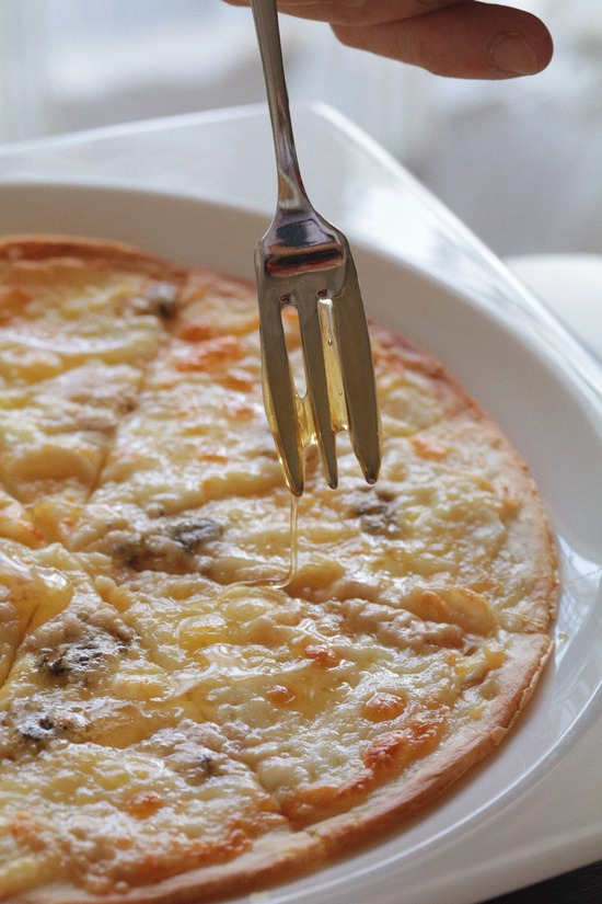 【はちみつチャレンジ⑥】チーズのピザ withはちみつ