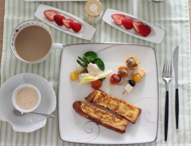 朝ごはん ~フレンチトースト&タラコレモンソースで野菜~