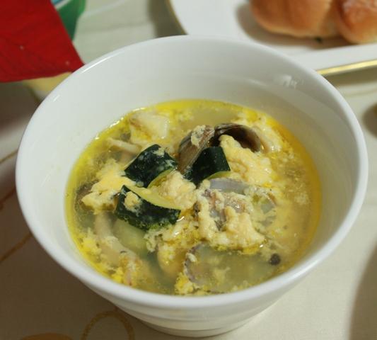 アサリとチーズ玉子スープ