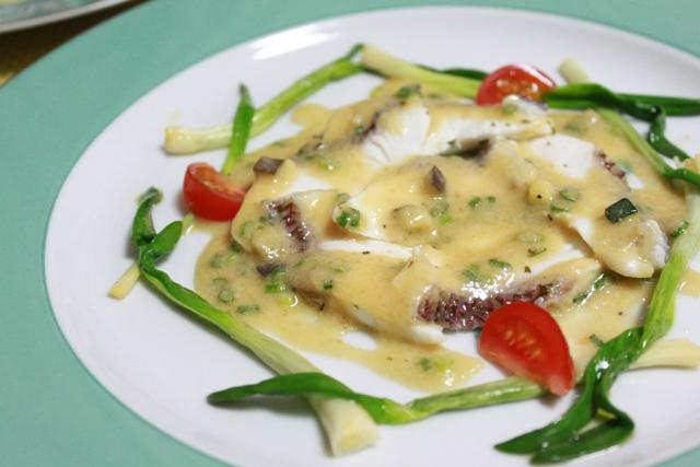 タイ(鯛)のポシェのバーニャカウダソース