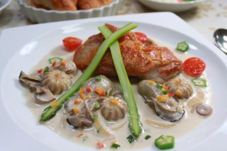 たかシェフのおうちごはん。2-若鶏のポワレ 牡蠣と白ワインのソース