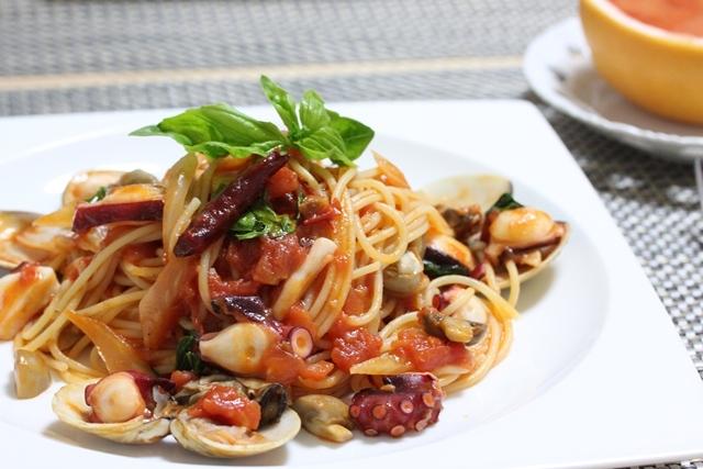 ■牡蠣とタコ 蛤のペスカトーレ