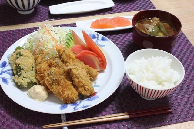 ■牡蠣フライとピーマンフライで晩ごはん。