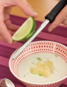 たかシェフのおうちごはん。-桃のスープ
