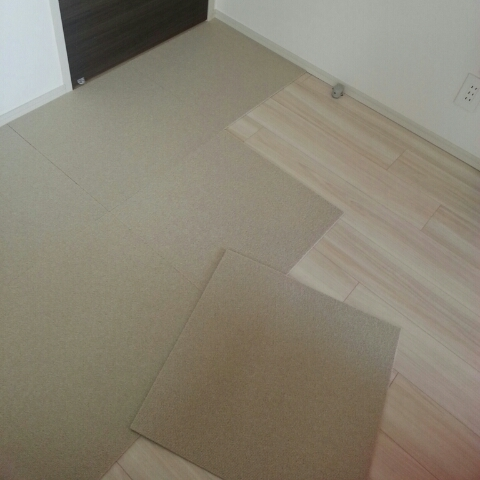 床、張り替えてみた。