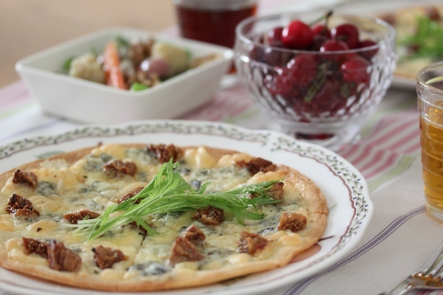 ■イチジクとゴルゴンゾーラのピザ
