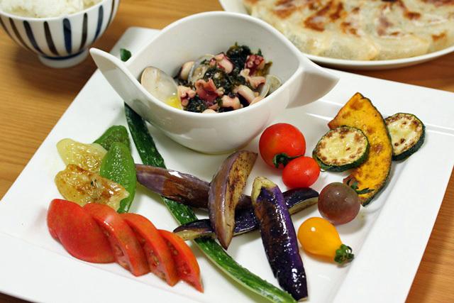 ■夏野菜と蛤のアヒージョ