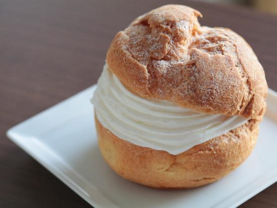 【日記】胃痛物語 と 究極のシュークリームを食べてから、明日から、ダイエットするよ