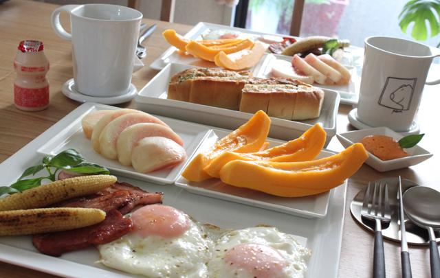 ■フルーツな朝ごはん  ブランチかな