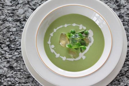 グリンピースの冷製スープ