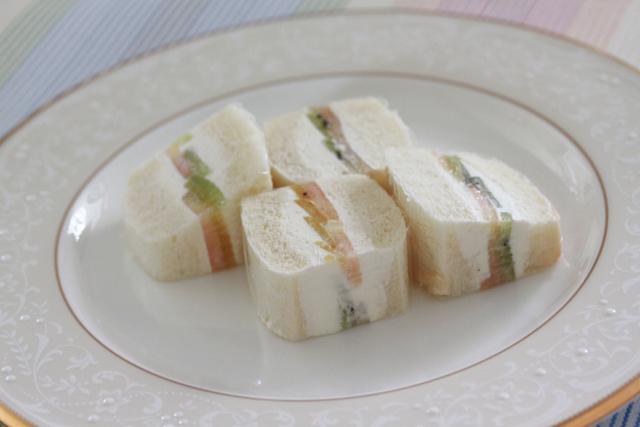 ■夜中のおやつ。~フルーツサンドイッチ~