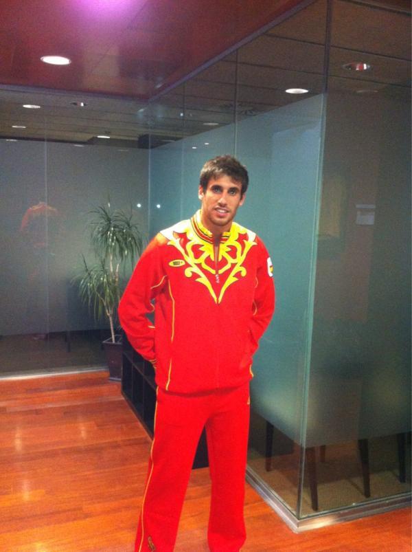 スペイン選手団のジャージを着た...