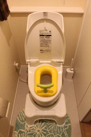 2階トイレとコンビ子ども用便座
