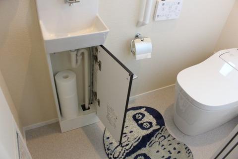 壁付手洗器コフレルの収納_開ける