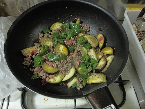 他人の家で料理をすると丁寧につくれるジンクス