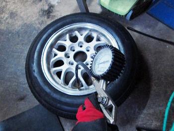タイヤ09