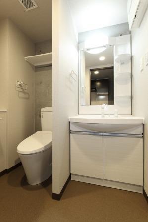 19_住戸B 洗面室・トイレ
