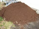 牛糞堆肥とどく