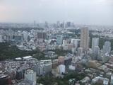 遠くに新宿