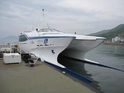 高速双胴船