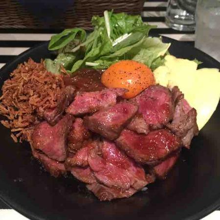 これで1000円未満は凄い!熟成肉のお店、まずはランチからどうぞ(Gottie's BEEF 銀座ベルビア館 (ゴッチーズビーフ)@銀座)
