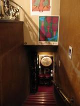ワインバー 階段1