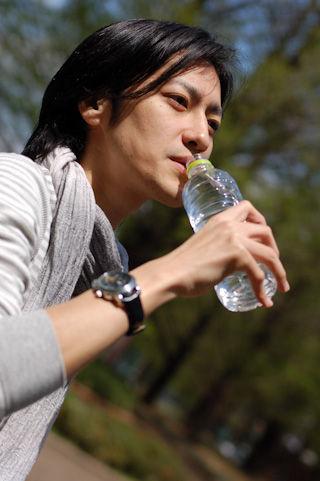全く揺れない!ジョギング用ボトルポーチ「yurenikui(ユレニクイ)」