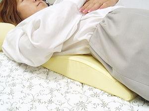 腰痛・床ずれでお悩みなら…極上の【純日本製100%】低反発腰まくら!あのテンピュールを超えるスペックを実現した低反発!