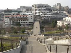 080312大階段から北山田駅側