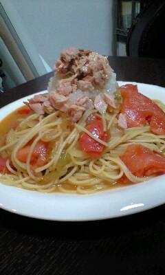 ツナと大根おろしとトマトの和風パスタ