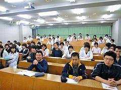 新潟大学歯学部での講義