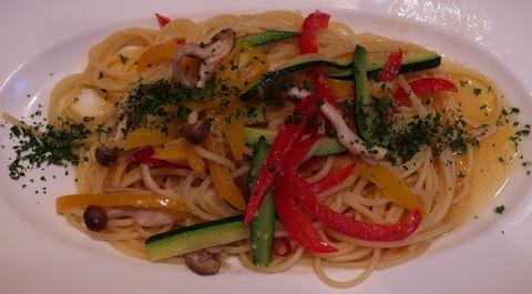 彩り野菜としめじのペペロンチーノ(サングリア)1145