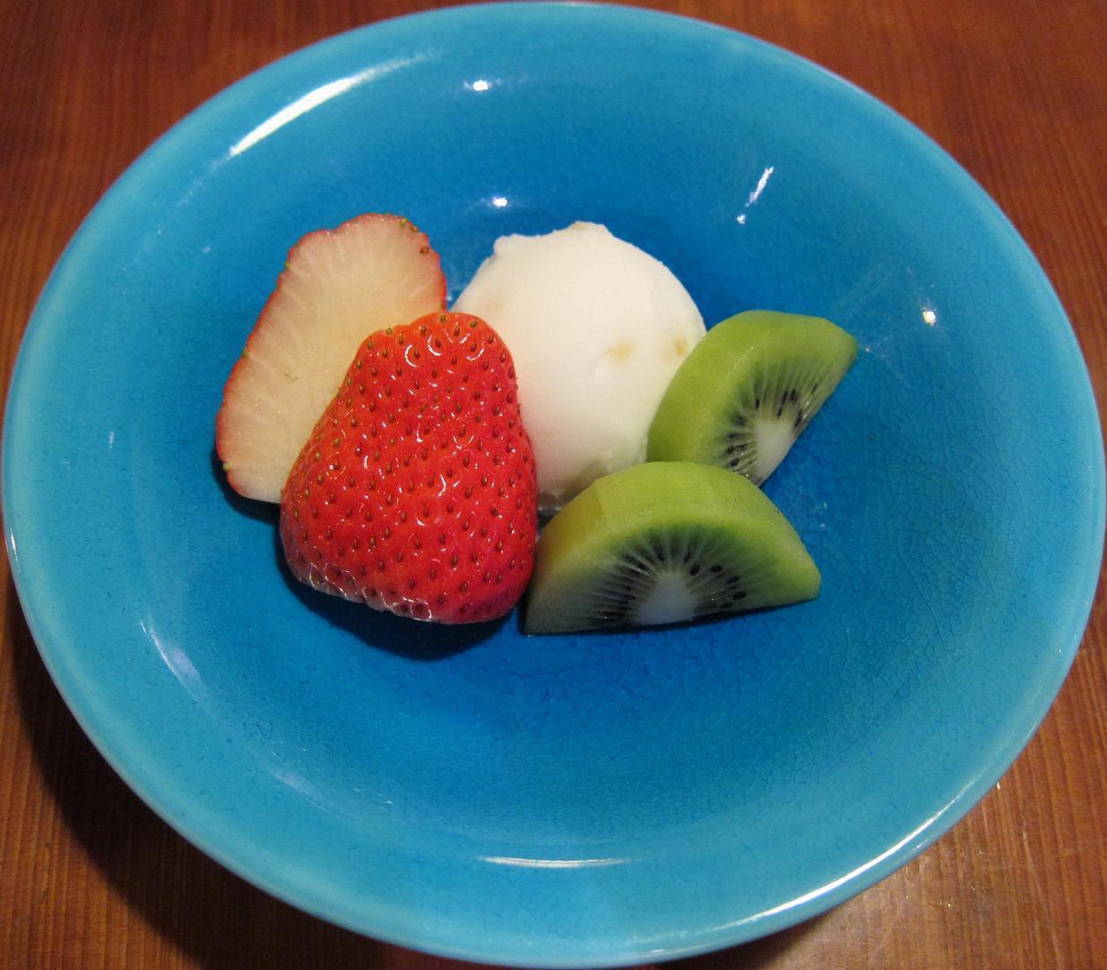 グレープフルーツシャーベット&イチゴ&キウイ