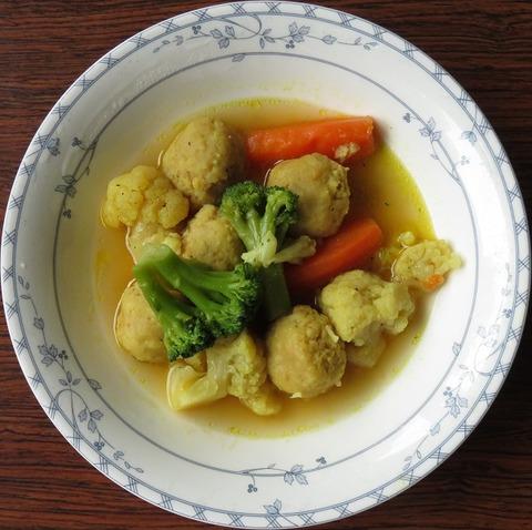野菜と鶏つくねのカレースープ煮(葛飾区役所)550