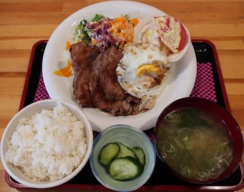生姜焼定食(ばんふう)800