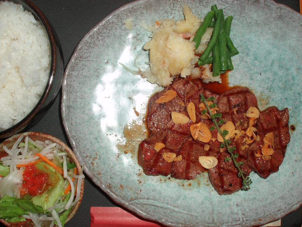 牛ヒレ肉薄切りガーリック風味(ランチ)