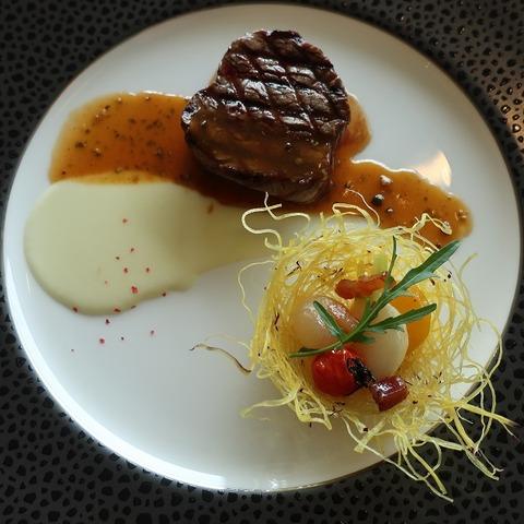 国産牛フィレ肉のグリエ 緑粒胡椒入り ソースポルト(フクシマ)