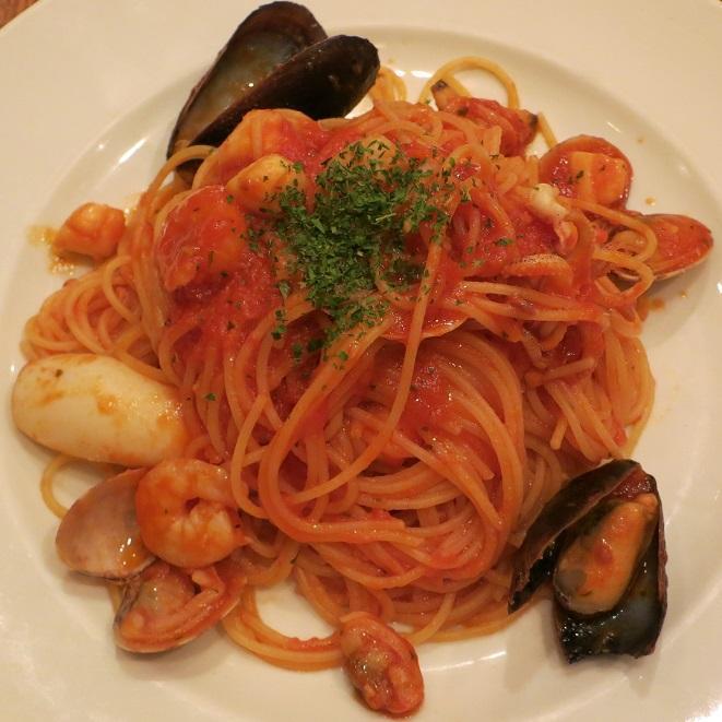 魚介のスパゲッティトマトソース