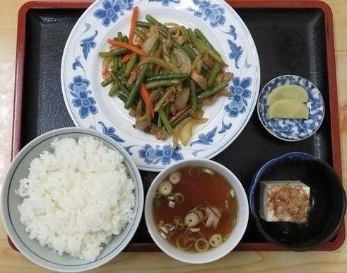 豚肉とにんにくの芽炒め定食700