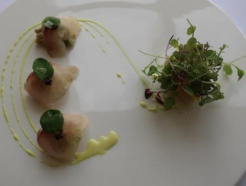 ホウボウのマリネとずわい蟹のカクテル 貝のサラダを添えて(RPR)